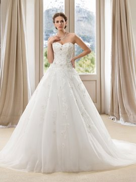 A-Line Sweetheart Applique Beaded Wedding Dress