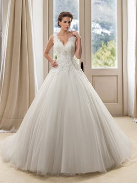 Admirable Sleeveless Double V-Neck A-Line Court Train Wedding Dress