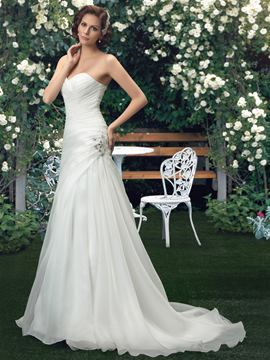 Sweetheart Beading Court Train Sheath/Column Wedding Dress