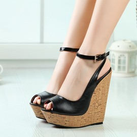 Delicate Peep-toe Wedge Sandals