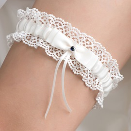 Pretty Ivory Bowknot Lace Wedding Garters