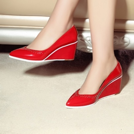 European Pointed-toe Wedge Pumps