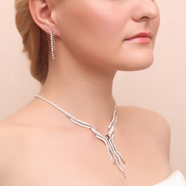Ericdress Exquisite Alloy Jewel Set including earring and necklace