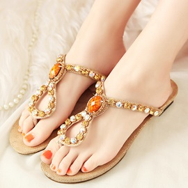 Fantastic Clip-toe Flat Sandals with Rhinestone