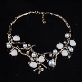 Branch Shaped Shell Decorated Necklace