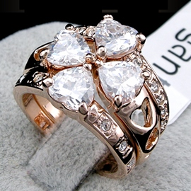 Fashion Four-leaf Clover Rhinestone Decorated Ring Set