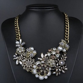Delicate Floral Rhinestone Decorated Necklace