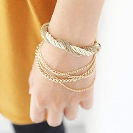 Fashion Weaved Women's Bracelet