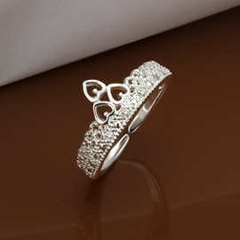 Three Hearts Decorated Concise Ring