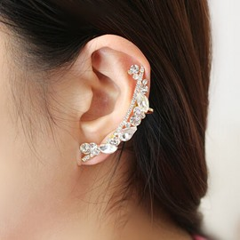 Luxurious Rhinestone-studded Female Ear Cuff