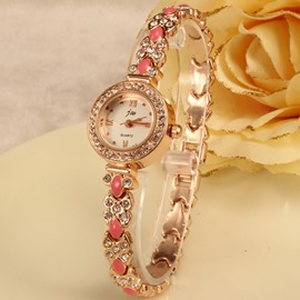 Delicate and Luxurious Fashion Style Watch