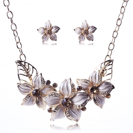 Elegant Flower Decorated Unique Jewelry Set