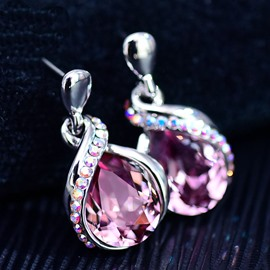 Upscale Crystal Decorated Shining Earrings