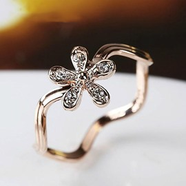 Lovely Flower Decorated Alloy Ring
