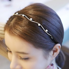 Cute Pearl Decorated Thin Headband