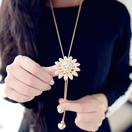 Gorgeous Golden Sunflower Pendent Alloy Necklace