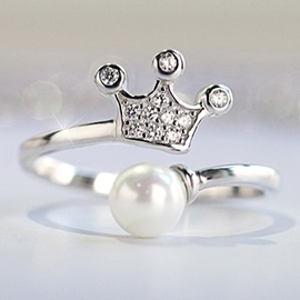 Romantic Crown Pearl Ring