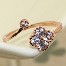 Four Leaf Zircon Ring
