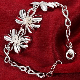 Plating Silver Flower Design Bracelet