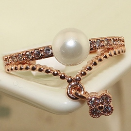 Pearl Hanging Grass Rhinestone Ring