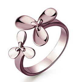 Lucky Clover Flower Ring