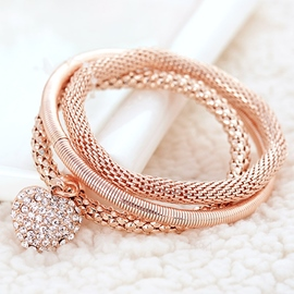 Heart-Shaped Pendant Multilayer Electroplating Bracelet