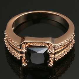 Black Zircon Plating Champagne Gold Ring