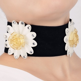Black Velvet Flowers Choker