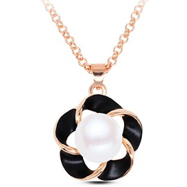 Pearl Inlaid Flower Pendant Necklace