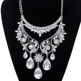 Ericdress Fashion Crystal Glass Pendant Necklace