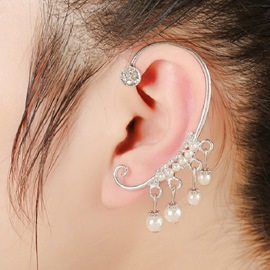 Ericdress White Pearls Pendant Ear Cuff