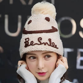 Ericdress Smiling Face & Letters Design Knitted Hat