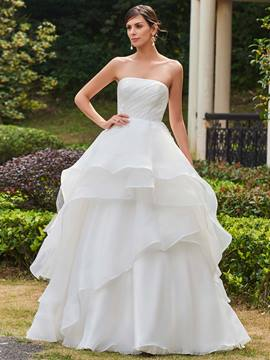 Ericdress Classic Appliques Strapless Ball Gown Wedding Dress