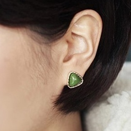 Ericdress Retro Green Resin Triangle Earrings