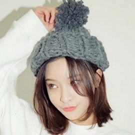 Ericdress Pom-Pom Decorated Thick Woolen Yarn Hat