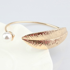 Ericdress Golden Feather Pearl Inlaid Bracelet