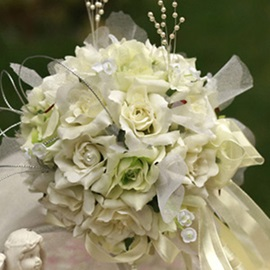 Beatiful Green-white Silk Cloth Birdal Bouquet