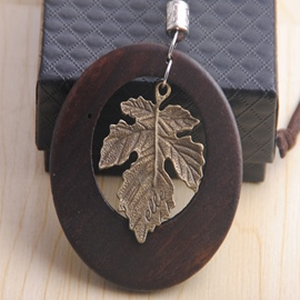 Ericdress Retro Wooden Circle with Maple Leaf Pendant Necklace